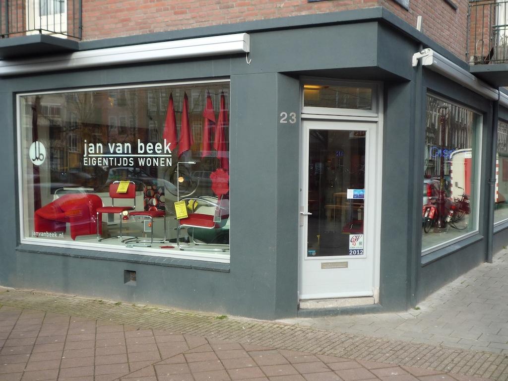 Noord nederland dealers dealers for Mobilia woonstudio amsterdam